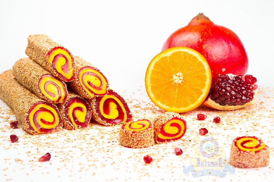 Рулет «Султан» апельсиновый с гранатом